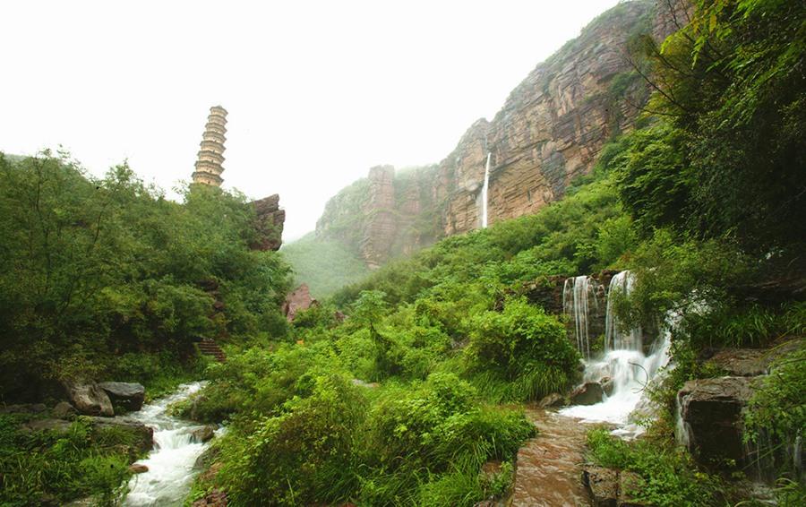 焦作 焦作云台山风景区  游览云台山水不仅可以领略到山水的外在秀美