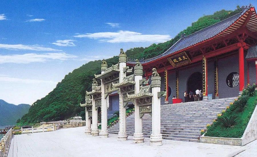 广东| 清远 飞霞山风景区,户外徒步登高胜景