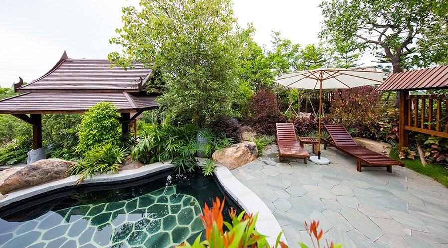 室外温泉多种可选,各种有趣的造型让你选择多多,泡泉之余还可以