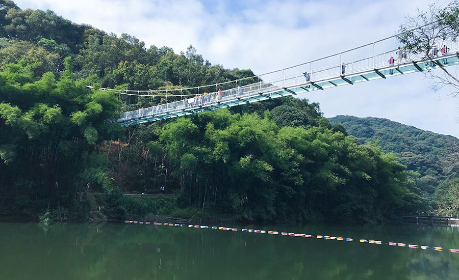 桂山风景区(网红桥/玻璃桥/空中漂流胜地)