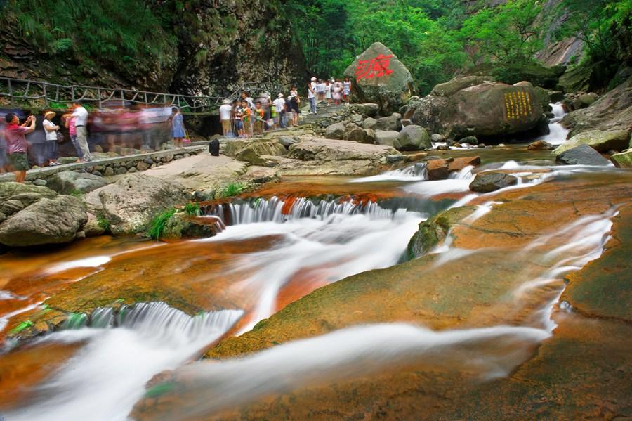 浙江| 杭州 临安太湖源景区,观绿色生态长廊