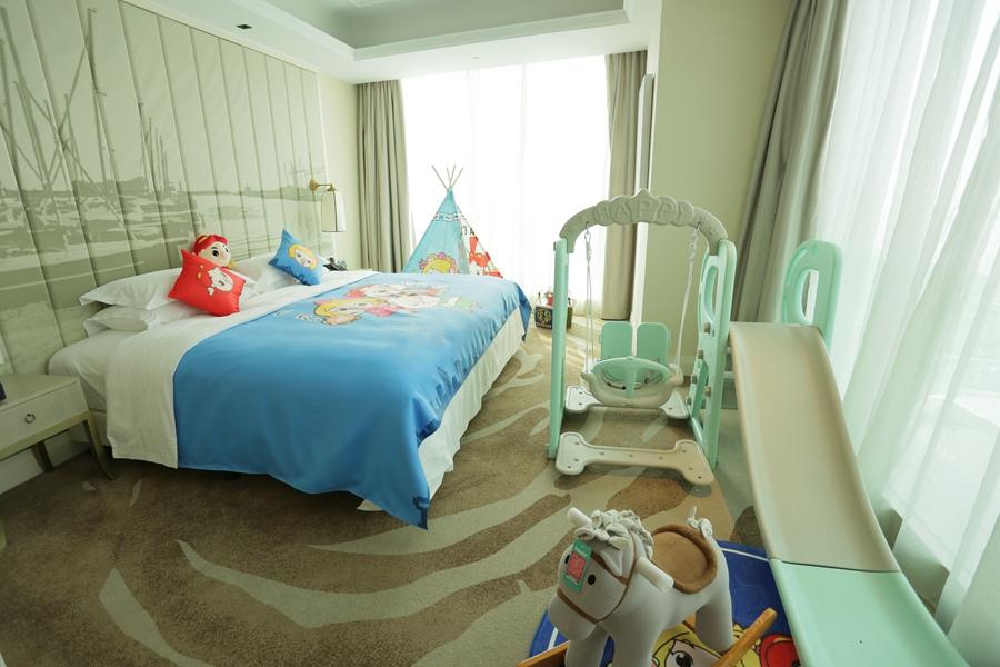 山东| 青岛 嘉年华广场大酒店,俯瞰唐岛湾