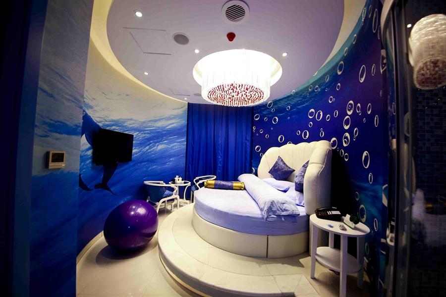▼ 海洋主题房:在甜蜜的梦中海洋里遨游.